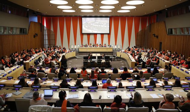 Mujeres debaten sobre como erradicar la violencia hacia las mujeres. Crédito: Ryan Brown/IPS