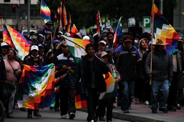 Manifestantes a favor de Evo Morales y su restitución en la presidencia recorren calles de La Paz tras su renuncia el 10 de noviembre, antes de que la senadora opositora Janine Añez se proclamara como mandataria interina, en una medida avalada por el Tribunal Constitucional Plurinacional, acotando que en el plazo de 90 días debe haber elecciones. Crédito: Cortesía de Franz Chávez