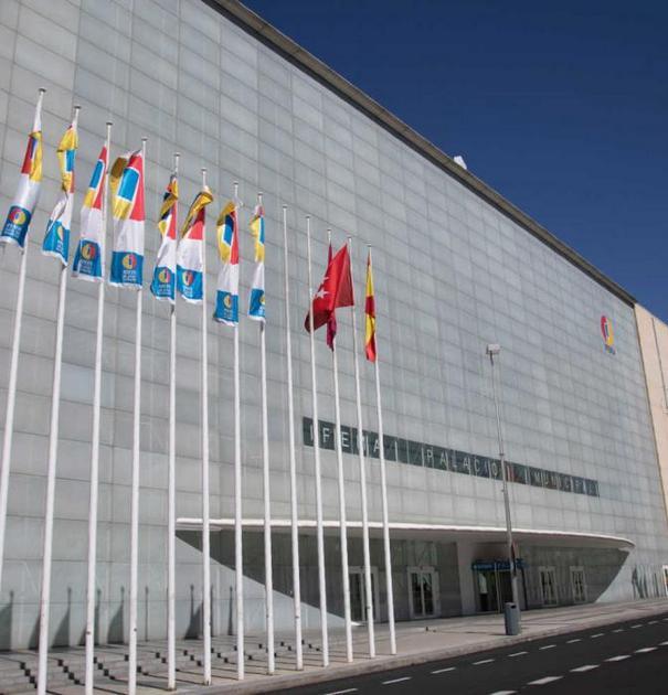 Fachada de la Institución Ferial de Madrid, que acogerá entre el 2 y el 13 de diciembre la 25 Conferencia de las Partes de la Convención Marco de las Naciones Unidas sobre Cambio Climático. La anual cumbre del clima congregará unos 25.000 representantes de los gobiernos, la academia y las organizaciones sociales. Crédito: Ifema