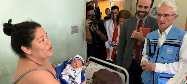 El coordinador de la ayuda de emergencia de la ONU visita un hospital en Caracas que atiende las necesidades sanitarias de un millón de personas. Crédito: Gema Cortes/OCHA