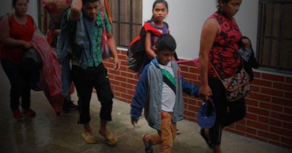 Cuando los jóvenes del El Salvador emigran de su país escapando de la violencia y el dominio de las pandillas, solo encuentran más problemas: la pesadilla de la deportación