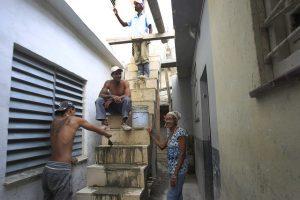 Aunque aún no se refleja en las estadísticas, la ayuda de las mujeres cubanas en la evacuación y recuperación de las comunidades como resultado de los desastres naturales que ha sufrido el país ha resultado esencial