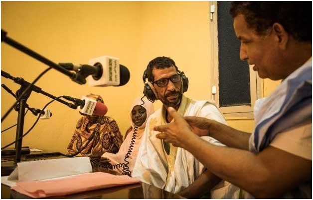 La iniciativa de un programa de radio para erradicar el matrimonio precoz en Mauritania intenta generar consciencia sobre sus perjuicios, desde el abandono escolar hasta los elevados riesgos para la salud materna de las niñas afectadas