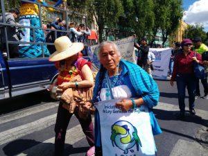 """Amalia Salas Casas tiene 30 años de defender el agua y el maíz en Xochimilco, en el sureste de Ciudad de México, de donde es originaria. """"Yo me cuido y me quiero, cuando la gente se quiera va a cuidar los recursos naturales"""", afirma. Crédito: Arturo Contreras/Pie de Página"""