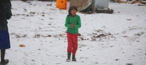 """Campamentos desbordados por el gran número de personas que buscan refugio y el limitado acceso a alimentos, agua potable y atención médica; esta es la situación dramática de los refugiados sirios que Unicef calificó de """"insostenible"""""""