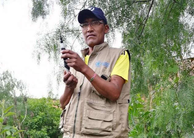 La vulnerabilidad de Bolivia a los efectos del cambio climático motivó a Pedro Polo, técnico del Programa Mundial de Alimentos de las Naciones Unidas (WFP, en inglés) en Bolivia a descubrir cómo imitar la lluvia a un dólar con cincuenta
