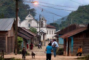 Dada la vulnerabilidad del sistema sanitario de la mayoría de los países de América Latina, es importante que los países tomen medidas rápidas para prevenir la propagación de la enfermedad y proteger a sus poblaciones