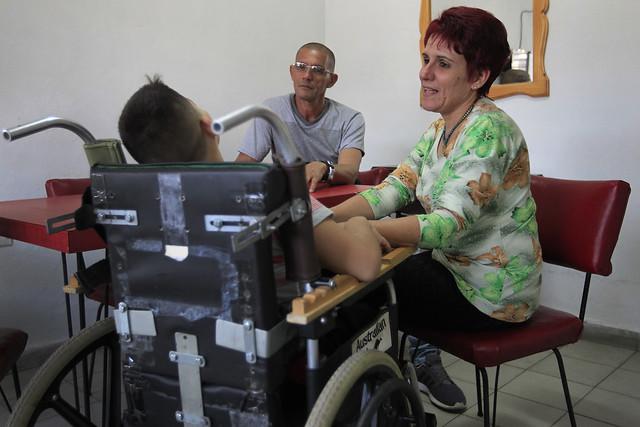 Como en la mayoría de los países, en #Cuba las tareas de cuidado recaen en las mujeres, lo que genera un alto costo que impacta en los índices de participación económica y social de la franja femenina así como en su calidad de vida