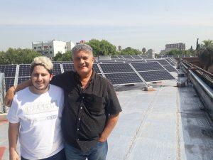Instituciones educativas implementan la generación distribuida. Energía solar en la Escuela de Educación Media Antonio Devoto.