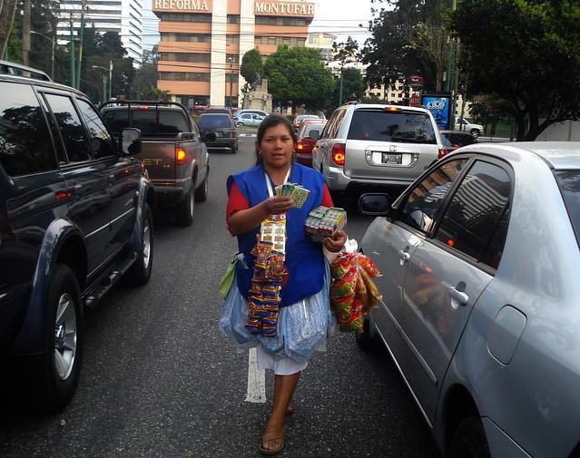 Si bien tiene una tasa de desempleo sorprendente, Guatemala es uno de los países más desiguales de América Latina y el Caribe, ubicándose entre los últimos lugares de la región en indicadores de desarrollo y bienestar