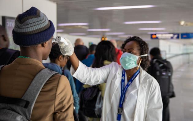 Centros de investigación y la Organización Mundial de la Salud (OMS) urgen a las naciones de África para que participen en pruebas de cuatro vacunas que podrían enfrentar a la pandemia covid-19 en ese continente, destacó un informe de la revista científica Nature