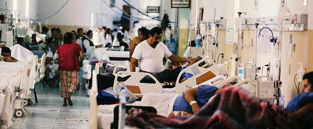 Los sistemas de salud en América Latina, ya deficitarios en su capacidad de atender a la población, especialmente a las capas pobres, encaran con debilidad y en grave riesgo la propagación de la pandemia covid-19. IPS ahonda en la situación de cuatro países para mostrar las diferentes debilidades y fortalezas de los sistemas sanitarios en la región