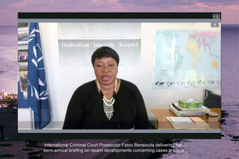 Fatou Bensouda, la fiscal jefe de la Corte Penal Internacional (CPI), informa a los miembros del Consejo de Seguridad de la ONU durante una video conferencia abierta, sobre la persistencia de crímenes de lesa humanidad y otros delitos en Libia. Foto: Evan Schneider/ONU
