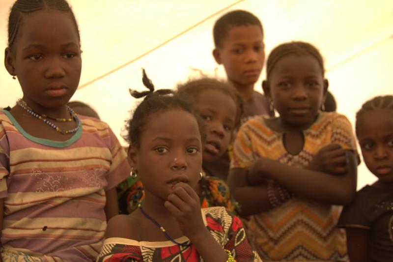 La población infantil de Malí es víctima del conflicto armado de esa nación de África occidental. A ello se suma en el caso de las niñas la alta prevalencia de la mutilación genital femenina. Foto: William Lloyd-George / IPS