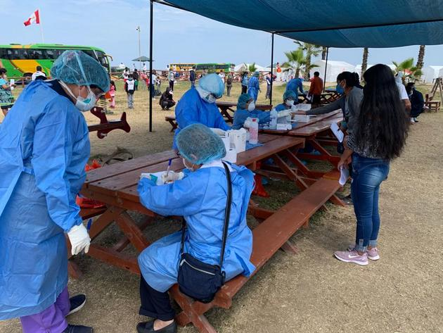 Perú, uno de los países más afectados por el nuevo coronavirus, organiza bajo medidas de protección el traslado de las personas que deben desplazarse entre distintas regiones. La pandemia avanza por América del Sur y todavía no ha alcanzado su pico de máxima expansión, destaca la Organización Mundial de la Salud: Foto: Minsa
