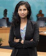 La autora, Gita Gopinath