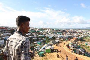 El sur de Asia es una de las regiones del mundo que preocupa a los especialistas de la ONU desde el comienzo de la pandemia, por sus grandes barrios marginales y tugurizados y los atestados y hacinados campos de refugiados en Bangladesh, como este de rohinyás en Cox's Bazar, donde han más de un millón de personas. Foto: ASM Suza Uddin / IPS