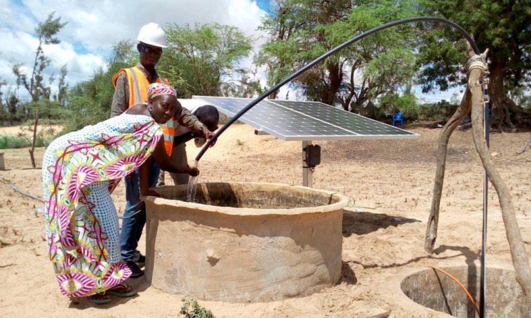 Aïssata Ba es una de las mujeres rurales que han sido seleccionadas por Energy 4 Impact para participar en un programa de empoderamiento económico que brinda a las emprendedoras acceso a tecnologías de energía limpia. Foto: cortesía de Energy 4 Impact Senegal