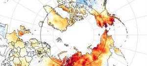 La región del Ártico, y en particular Siberia, en Rusia, experimenta una ola de calor inusual y atribuida al cambio climático, lo que provoca incendios de bosques y derrite el hielo del polo, con consecuencias negativas para todo el planeta. Imagen: NASA Earth Observatory