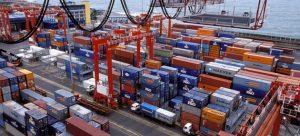 El movimiento de contenedores disminuye en la mayoría de los puertos del mundo y en más de un centenar de los de América Latina y elcaribe, como consecuencia de la pandemia covid-19 y la recesión económica que le sigue. Foto: Dominic Sandoni/BM