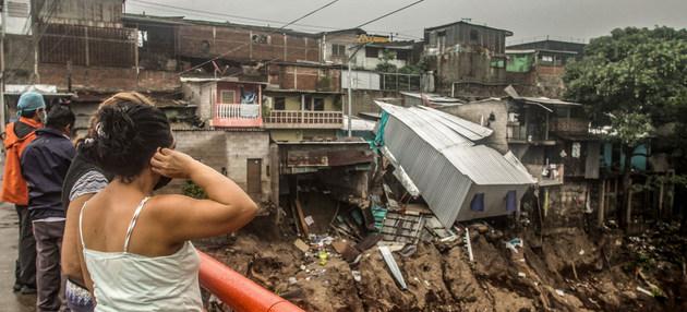 El huracán Amanda causó muertes y serios daños a su paso por El Salvador en mayo, y Unicef teme que nuevas tormentas agraven el impacto de la pandemia causada por el coronavirus. Foto: Mauricio Martínez/PMA