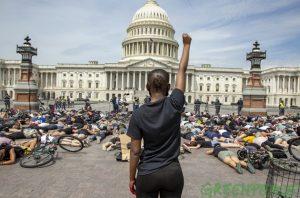 Una de las protestas contra el racismo y la brutalidad policial que han sacudido este año Estados Unidos. Foto: Greenpeace