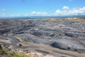 La mina El Cerrejón ha contaminado durante más de 30 años el aire, el agua y la tierra en el extremo noreste colombiano donde habitan los indígenas wayúu, y la ONU pide un alto, siquiera parcial, mientras dure la pandemia covid-19. Foto: Wikicommons