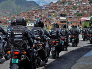 Los comandos de las Fuerzas de Acciones Especiales (FAES) de la Policía Nacional Bolivariana son considerados los principales responsables de ejecuciones extrajudiciales, uno de los crímenes de lesa humanidad por los que se señala al gobierno de Venezuela. Foto: MPPRIJP