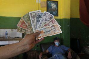 Reordenamiento monetario y el fin de la dualidad cambiaria en Cuba: La única moneda que se mantendrá en el país son los pesos cubanos.