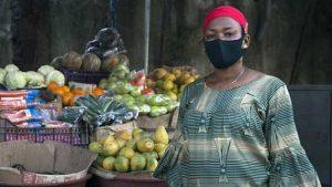 Los sectores más vulnerables a la pérdida de empleos e ingresos están en la economía informal, con las mujeres y los jóvenes entre los más vulnerables. Foto: OIT
