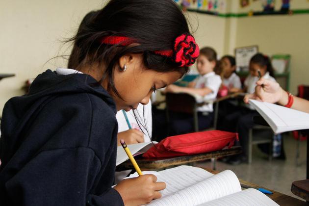 Compromiso Mundial: Mayor financiamiento para la educación, como respuesta a la recuperación de la emergencia sanitaria mundial.