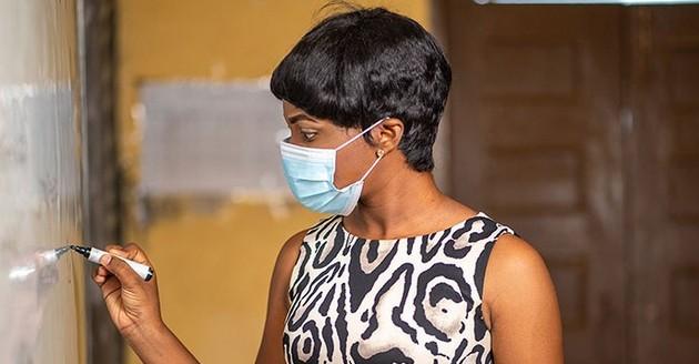 """El mejoramiento profesional y de las condiciones de trabajo de los docentes en todo el mundo es fundamental para evitar una """"catástrofe educativa"""" como una de las secuelas de la pandemia covid-19, declararon la Unesco y la OIT. Foto: Shutterstock/Unesco"""