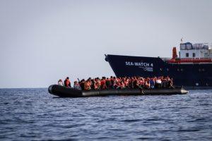 Los migrantes africanos que intentan cruzar el Mediteráneo central padecen graves abusos y violaciones a sus derechos al partir de Libia, y rechazo o recepción bajo duras condiciones al arribar a las costas de Europa. Foto: Hannah Wallace Dowman/MSF