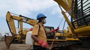 Los sistemas de protección social en la mayoría de los países de Asia no llegan a gran parte de la población y su cobertura, incluso para los trabajadores expuestos a lesiones laborales, es muy deficiente. Foto: F. Latief/OIT