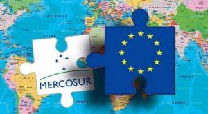 Piezas de rompecabezas que simbolizan cómo el acuerdo Mercosur-UE se tambalea.