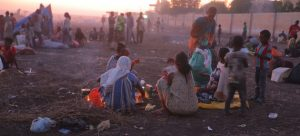 Más de 27 000 personas han huido de los combates en Etiopía en menos de dos semanas.