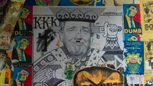 Carteles satíricos de Donald Trump en el mercado de Pike Place, Seattle, fotografiados en septiembre de 2017. Imagen: Shutterstock / weberjake