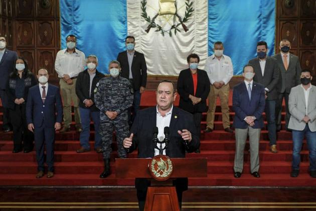 El presidente Alejandro Giammattei se dirige al país para tratar calmar las protestas en Guatemala.