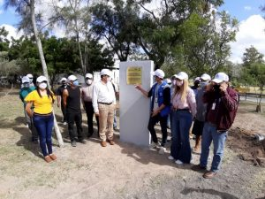 Solicitantes de asilo en Estados Unidos completan la arborización de un parque en la ciudad mexicana fronteriza de Matamoros. HRW pide que se agilicen sus casos y cese el programa que les obliga a permanecer en México. Foto: Jesús Centeno/Acnur