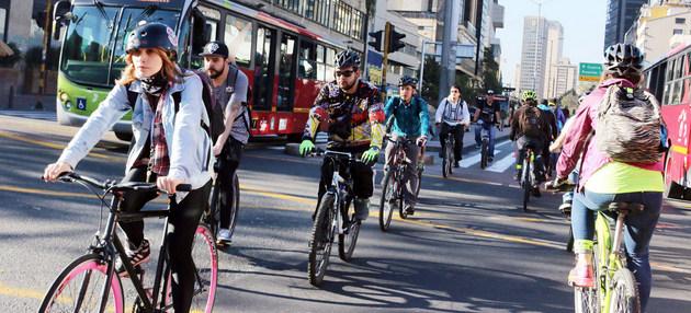 Las ciclovías hacen las ciudades más sostenibles. El Pnuma plantea la necesidad de multiplicar los programas de adaptación al cambio climático para disminuir el impacto de los desastres asociados al calentamiento global. Foto: C40CFF/ONU
