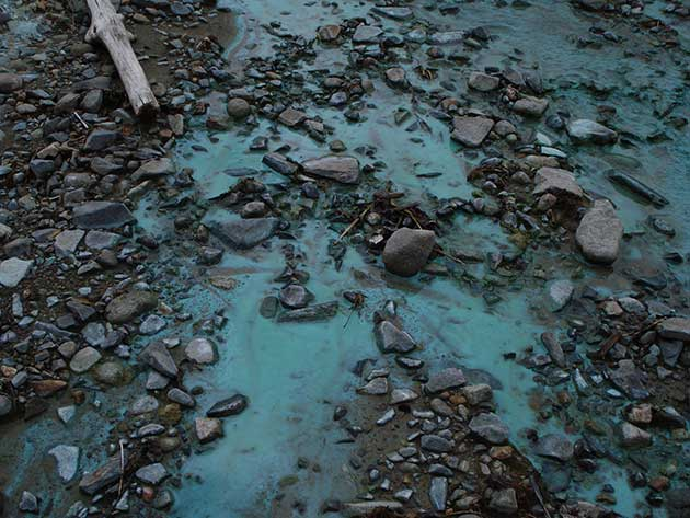 Contaminación de ríos y arroyos por desechos mineros en las cercanías de la mina de cobre Panguna en la Región Autónoma de Bougainville, en Papúa Nueva Guinea. Foto: Catherine Wilson /IPS