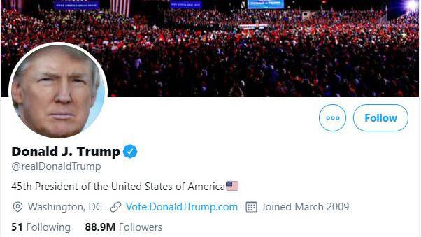 La cuenta @realDonaldTrump en Twitter, la plataforma preferida por el mandatario saliente de Estados Unidos para comunicarse con la ciudadanía, y que fue suspendida permanentemente por la empresa el 8 de enero, al igual que la cuenta oficial como presidente, @POTUS. Imagen: Twitter