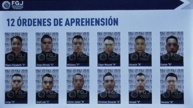 Los policías detenidos como presuntos involucrados en la masacre de migrantes guatemaltecos en México, cerca de la frontera con Estados Unidos. Foto: FGJ