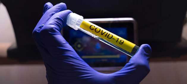 Un año después de la declaración oficial de la pandemia, el enorme impacto demográfico del coronavirus se hace cada vez más evidente a medida que se recopilan y analizan más datos. Foto: Naciones Unidas