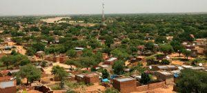 Vista de Al Geneina, la capital de Darfur Occidental, Sudán, donde los enfrentamientos interétnicos causaron al menos 87 muertos, decenas de heridos y miles de desplazados en los primeros días de abril. Foto: HAmid Abdulsalam/Unamid