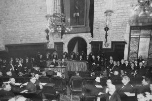 Ceremonia de apertura de la Conferencia Internacional de Comunicaciones y Tráfico, organizada por la Sociedad de Naciones en Barcelona, el 10 de abril de 1921