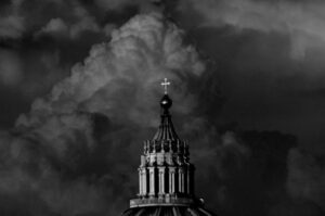 Parte de la cúpula de la basílica del Vaticano, en Roma. Foto: David Macchi /Flickr- CC BY-NC-ND 2.
