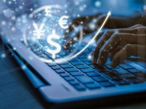 El Banco Mundial sostiene que la transición de dinero en efectivo al digital contribuye a facilitar, e incrementar, las remesas hacia los países de origen de los migrantes establecidos en naciones industrializadas. Imagen: Exchange-Rates-UK