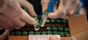 En Bamako, en Mali, se ha puesto en marcha un programa de vacunación contra la covid, con 396 000 dosis suministradas por el mecanismo Covax. Foto: Seyba Keïta / Unicef