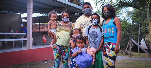 Una familia de venezolanos en un albergue para refugiados en Manaus, norte de Brasil. El éxodo desde Venezuela, forzado por la crisis en ese país, es el segundo en desplazamiento de personas después del de Siria. Foto: Felipe Irnaldo/Acnur